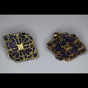 Jewelry - Vintage clip on earrings